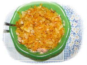 добавить лук и морковь к рыбе