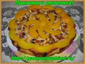 пирог из консервированных персиков