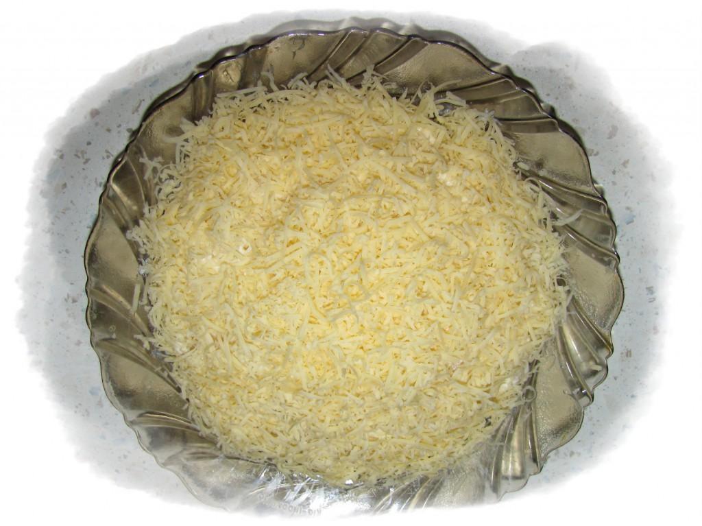 салат сверху затереть сыром