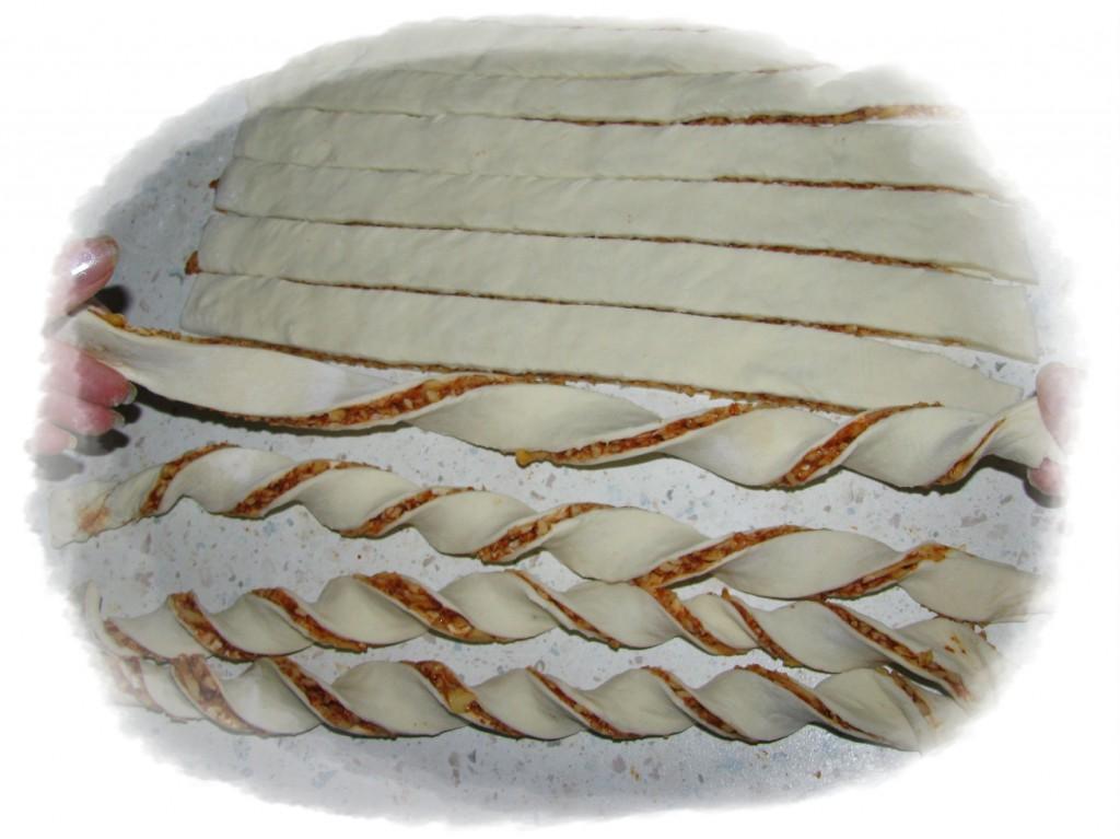 скручиваем полоски в спиральки