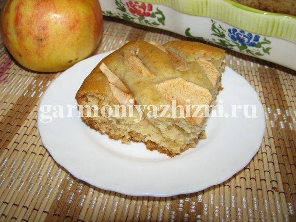 постный яблочный пирог шарлотка