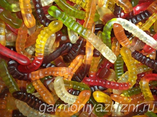 жевательные конфеты червячки