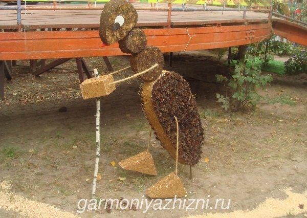 муравей из пенопласта