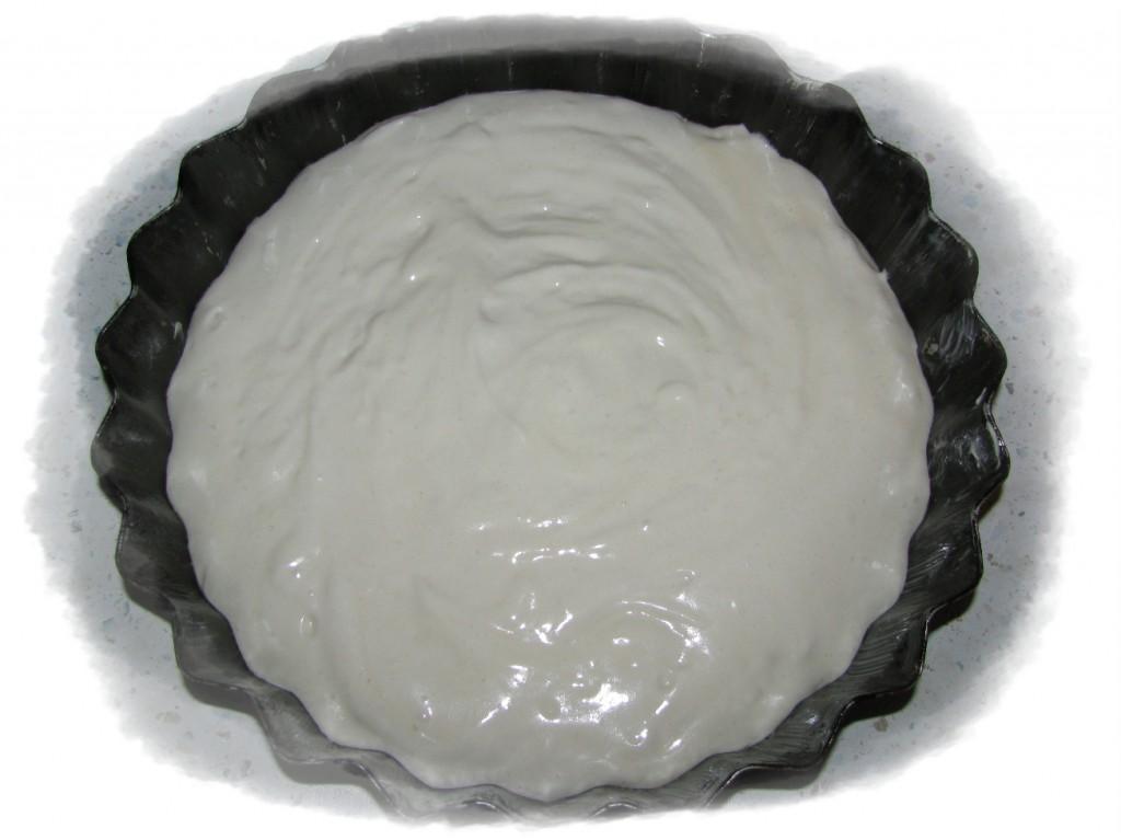 выложить тесто в форму и запечь в духовке