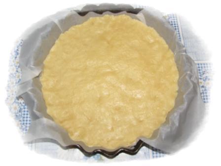 выложить тесто в форму11