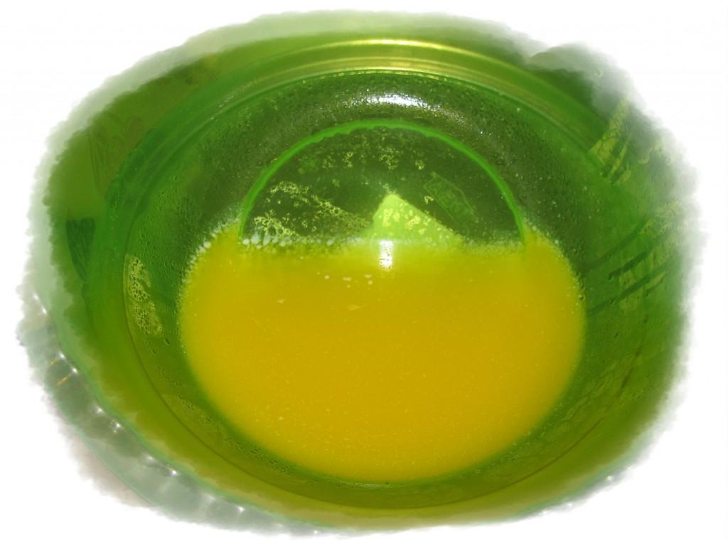 растопить на вдяной бане сливочное масло