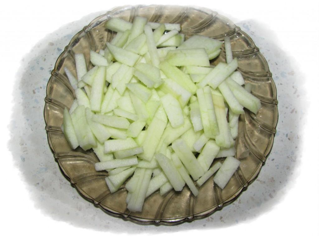 яблоко порезать соломкой