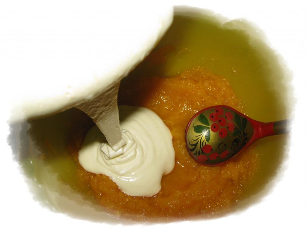 добавить взбитые яйца к тыкве