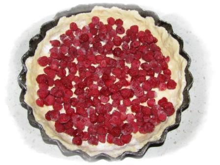 выложить ягоды на тесто11