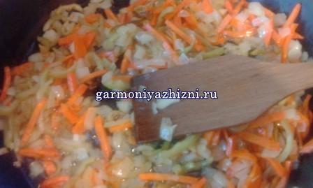 gorohovyiy-sup-s-kopchyonostyami-retsept-s-foto9