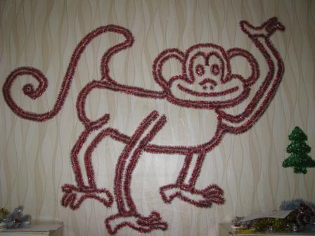 обезьяна из мишуры