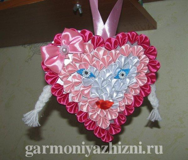 сердечко из лент на подарок подруге или маме